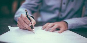 Pogodba o zaposlitvi ali pogodba o poslovodenju?