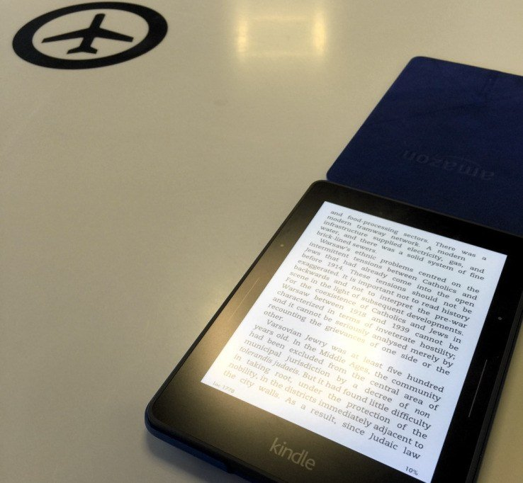 Super vitki Kindle je lahko odličen potovalni sopotnik