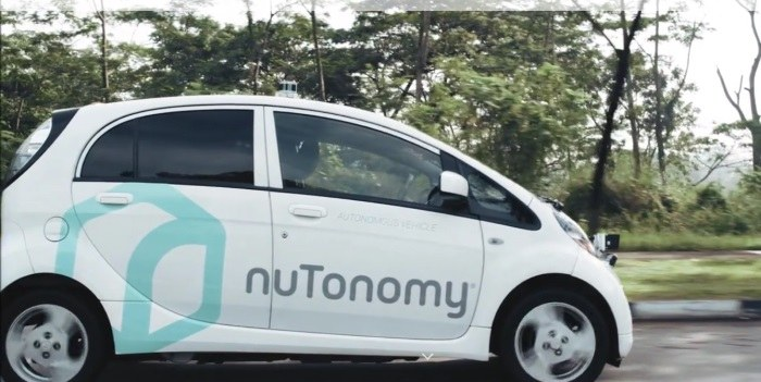 Prvo samovozeče vozilo se že vozi po singapurskih ulicah