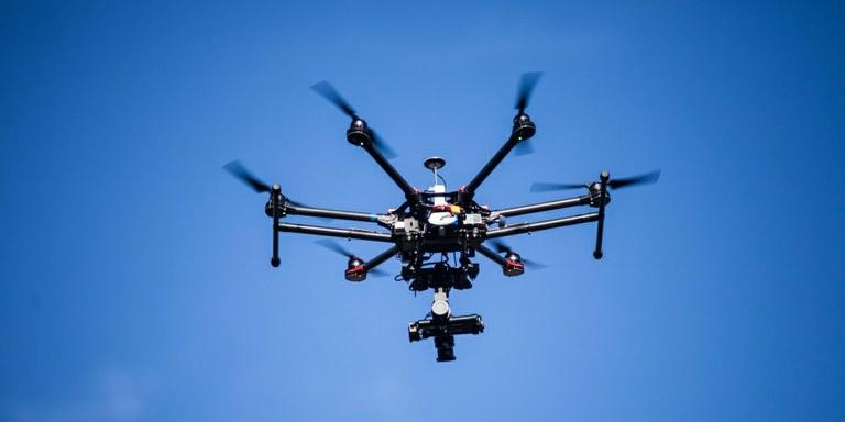 Kako so prvo pico dostavili s pomočjo drona