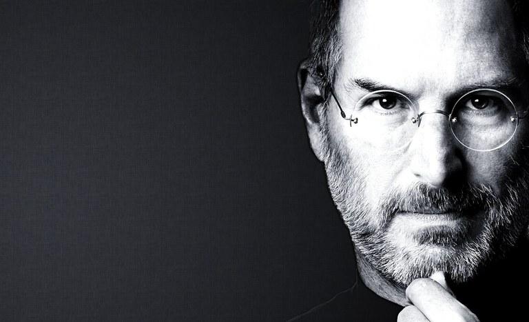 Infografika: življenje Steva Jobsa