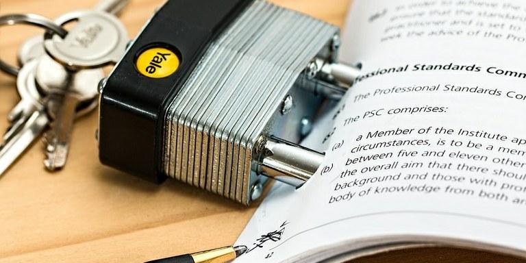 Ob uvedbi davčnih blagajn poskrbite tudi za interni akt
