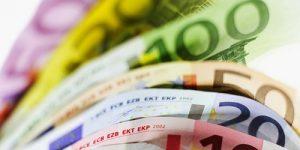 Povprečna mesečna plača