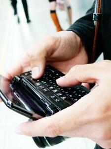Sklenitev naročniškega razmerja pri slovenskih mobilnih operaterjih