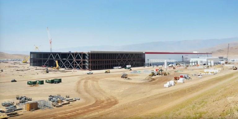 Nastopil je trenutek za odprtje največje tovarne na svetu - Tesline Gigatovarne