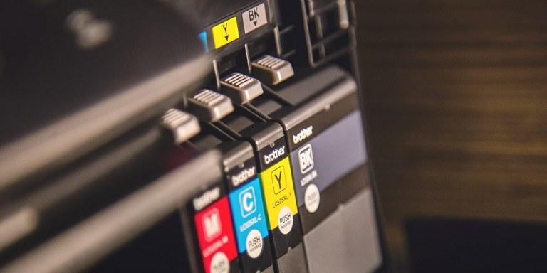 Dandanes ni mogoče poslovati brez primerne pisarniške opreme