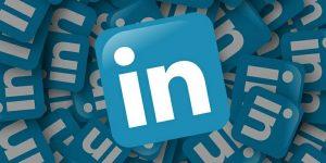 Za nakup LinkedIna se je potegovalo vsaj pet podjetij