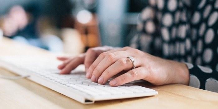 6 znakov, ki kažejo, da morate najeti zunanjega pisca vsebin