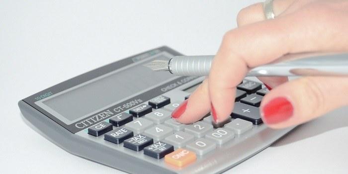 Davčne blagajne: večja panika je med tistimi, ki račune še pišejo ročno