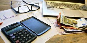Odgovor strokovnjaka: Pledge kot strošek?