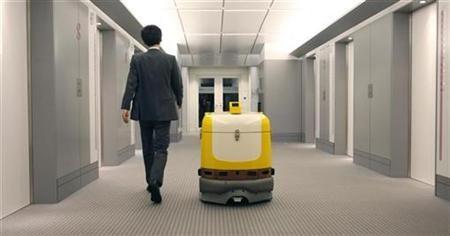 Roboti nadomeščajo delovno silo