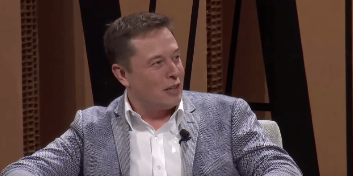 Tesla zanika možnost vpletenosti avtopilota v nesreči