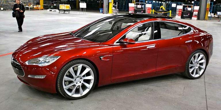 Tesla Motors razkriva svoje patente javnosti