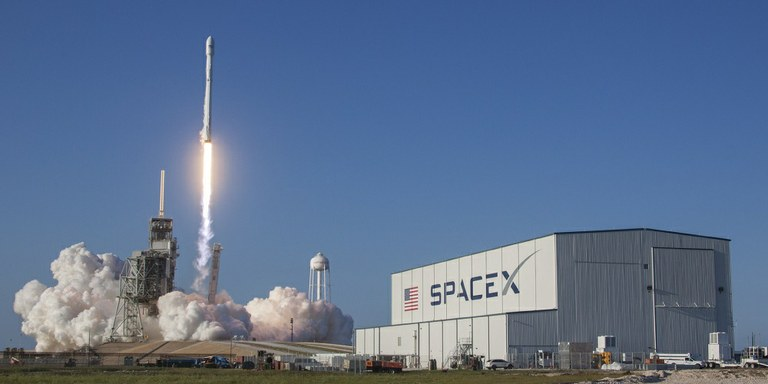 SpaceX dosegel novo prelomnico v zgodovini vesoljskih poletov