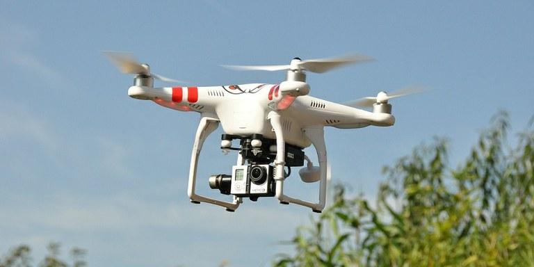 Vlada je uredila področje uporabe dronov v Sloveniji
