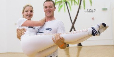 Plesalca na GoFundMe po sredstva za prvi center akrojoge v Sloveniji