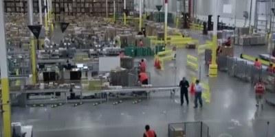 Amazon v praznično sezono s 100 tisoč novimi delavci