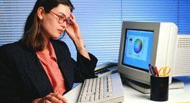 Na spletu rahlo več žensk kot moških?