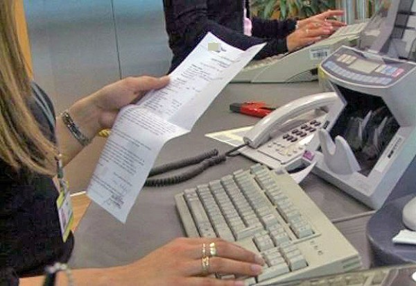 Nov zakon o potrošniških kreditih, ki ureja delo bančnih kreditnih posrednikov