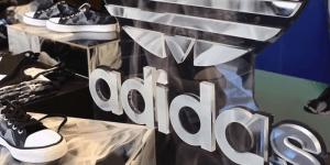 Adidas odpira novo tovarno z roboti