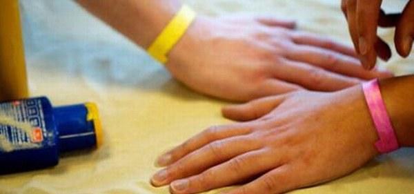 Poslovna priložnost: zapestnica, ki zaznava UV žarke