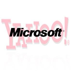 Microsoft z novo taktiko za nakup Yahooja