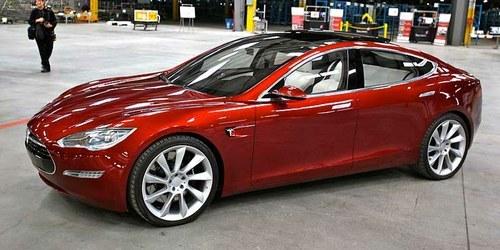 Teslin avtomobil bomo lahko kupili za 35 tisoč dolarjev