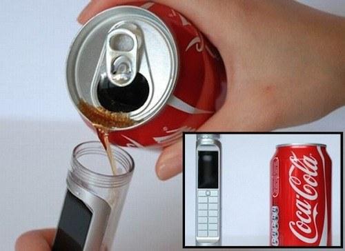 Telefon, ki ga poganja kar Coca-Cola
