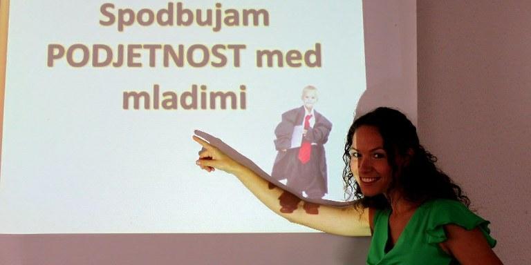 Kolumna: Kako Slovenijo hitro in trdno povzpeti na višji nivo?