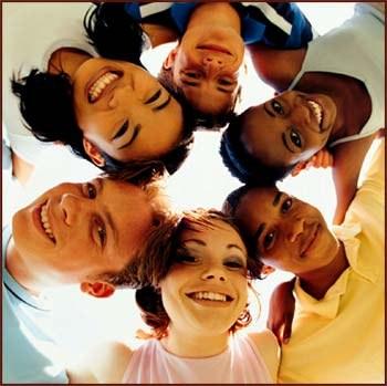 Splet in rasna pripadnost: Gre za tržne niše ali segregacijo?