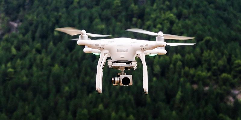 droni v Sloveniji