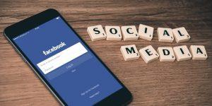 Facebook bo kaznoval mobilnim napravam neprilagojene strani