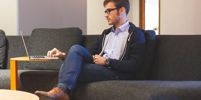 Samostojni podjetnik, delovno razmerje