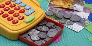 Kaj je eblagajna in njena primerjava z vezano knjigo računov