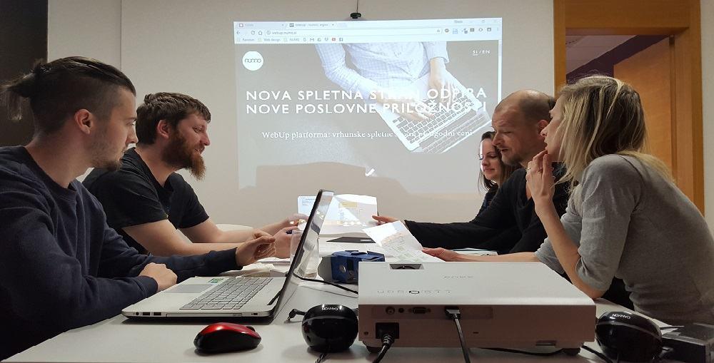 ključnega pomena je komunikacija z javnostjo (Vir: numo.si)