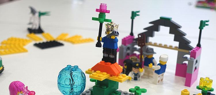 LEGO kocke kot komunikacijsko orodje (Vir: resna-igra.si)