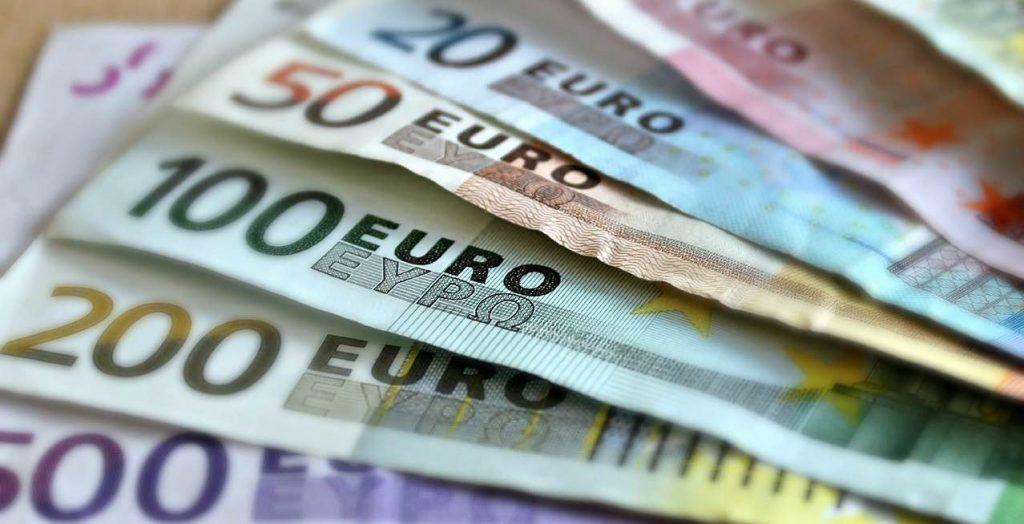 euro denar sklad