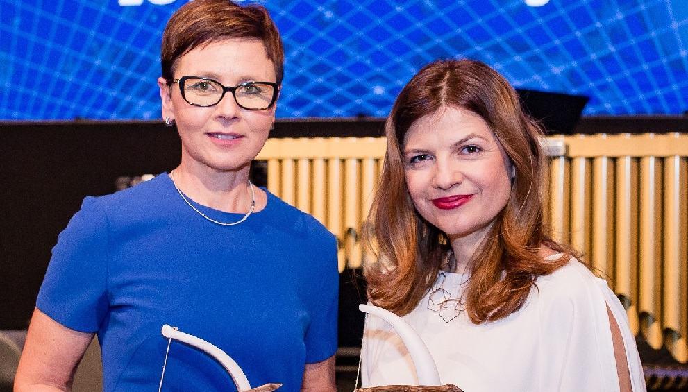 Sonja Šmuc in Anka Brus, dobitnici priznanja Artemida (Vir: Združenje Manager)
