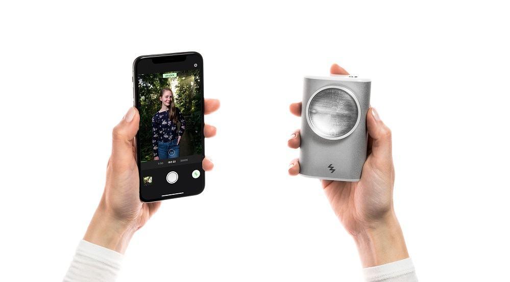 Ksenonska bliskavica, ki bo razburkala mobilno fotografijo (Vir: Kickstarter)