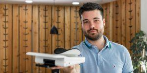 Slovenski projekt na Kickstarterju: ergonomska podpora za roko Mouzen