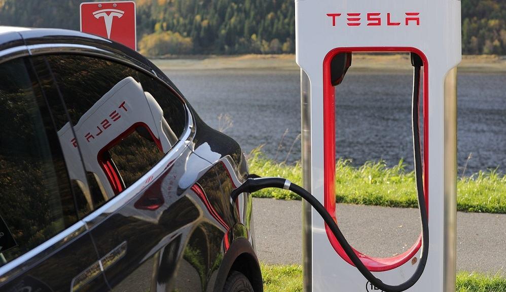 Tesla bo zaprl večino fizičnih trgovin (Vir: Pixabay)