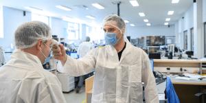 Kako naj se proizvodno podjetje spopade s koronavirusom?